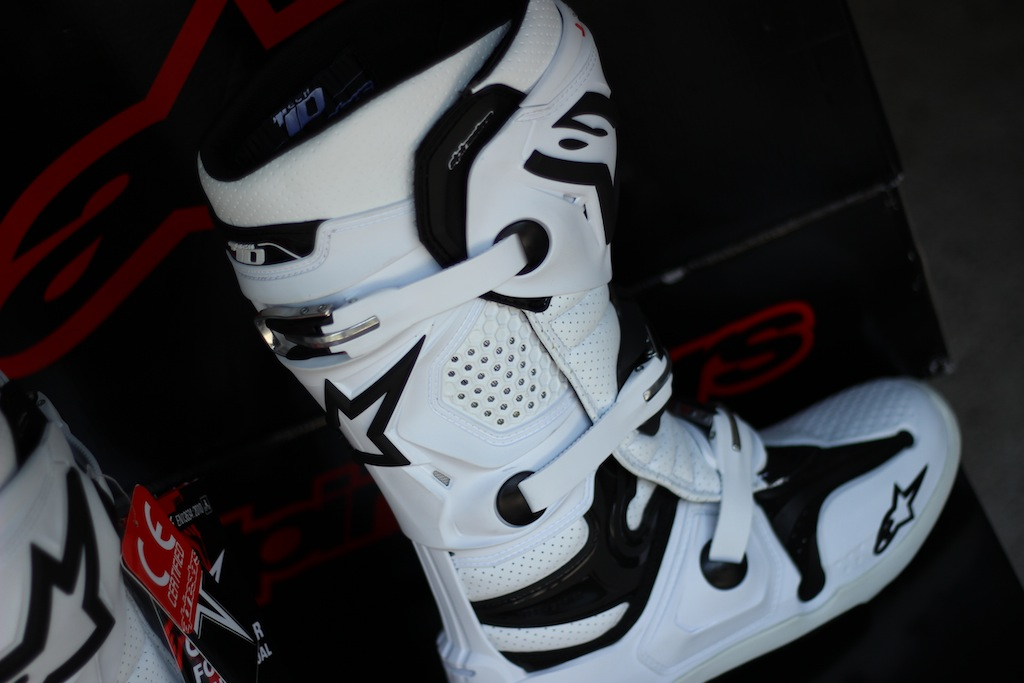New Tech 10 Alpinestars